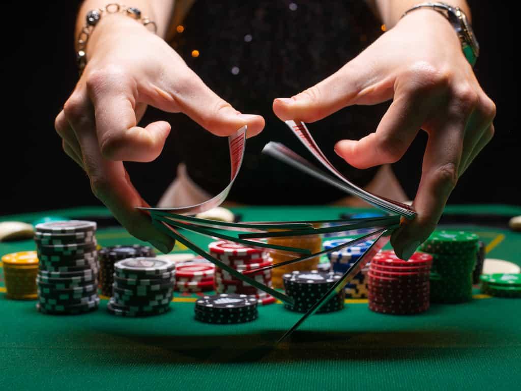 より良いプレーヤーになるためのポーカーのヒント