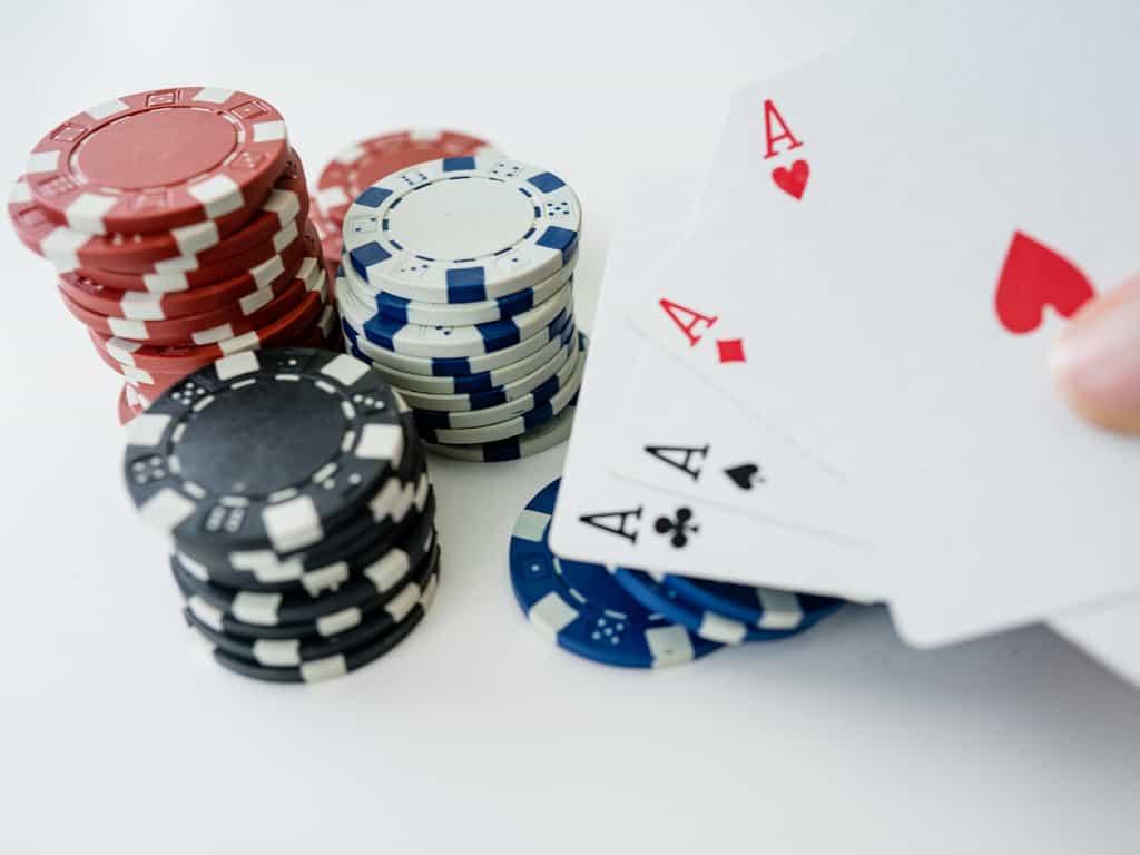 ポーカー 必勝 法 日本の選手のためのヒント